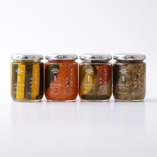 ピクルス 各1,458円~(約220g) 。愛媛県産の野菜を中心に使い、一つずつ丁寧に手作りされたピクルス。※旬の野菜を使っているので、内容は季節によって異なります。