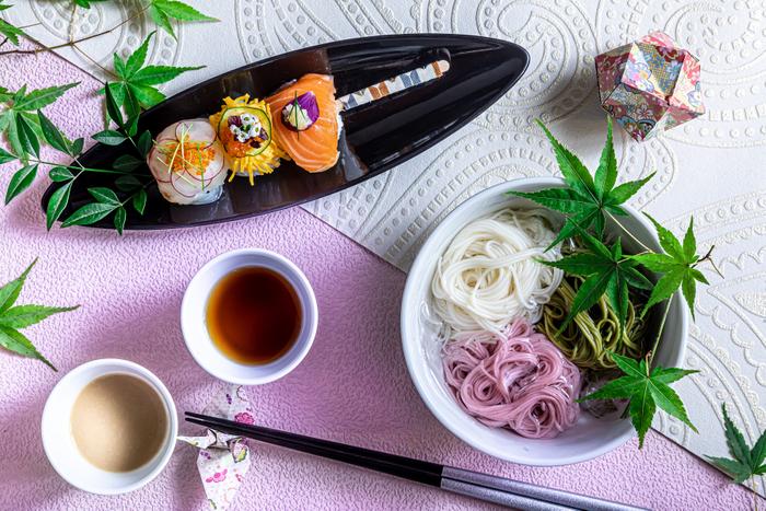 【ランチ軽食】季節の3色手毬寿し~お団子に見立てて~/涼風 3色素麺盛り合わせ