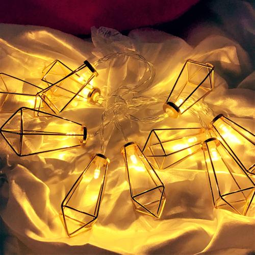 キラキラ光るライトにクリスタル型で影まで綺麗♡
