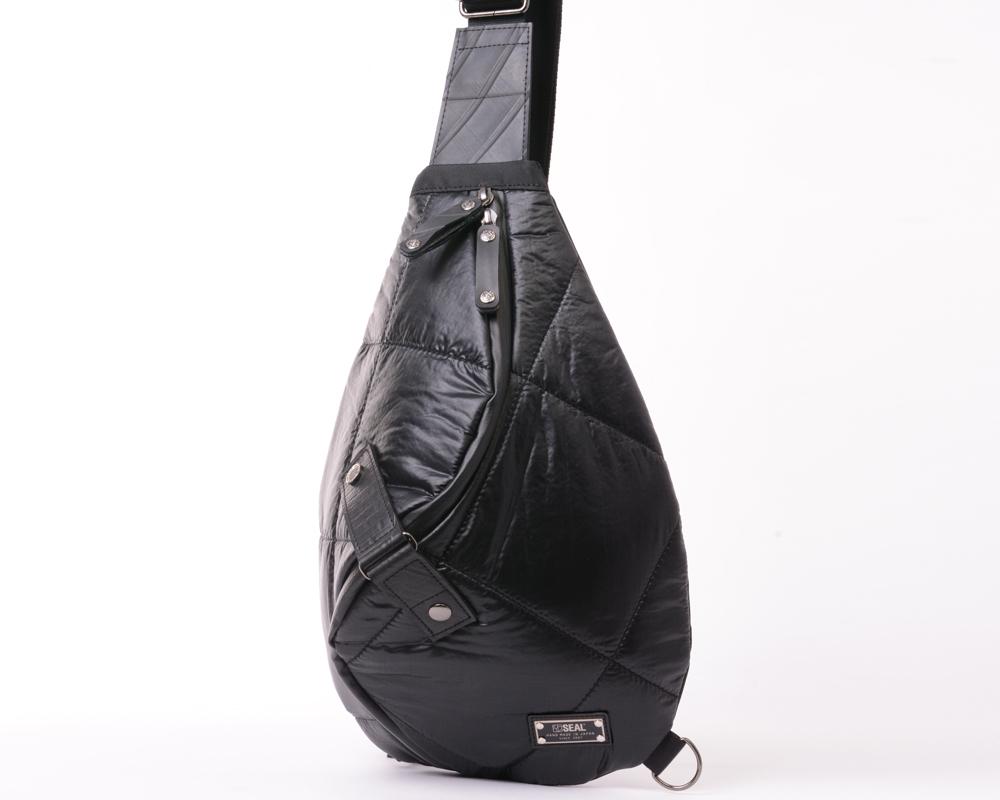 CHRISTIE QUINN Akatsuki Cloud Shoulder Sling Bag