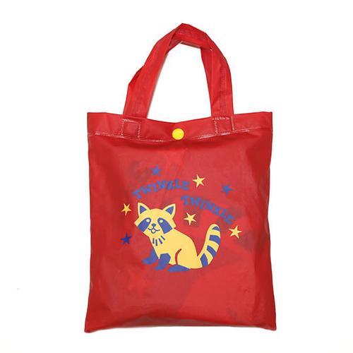 「キッズ レインポンチョ Raccoon」収納袋付き。