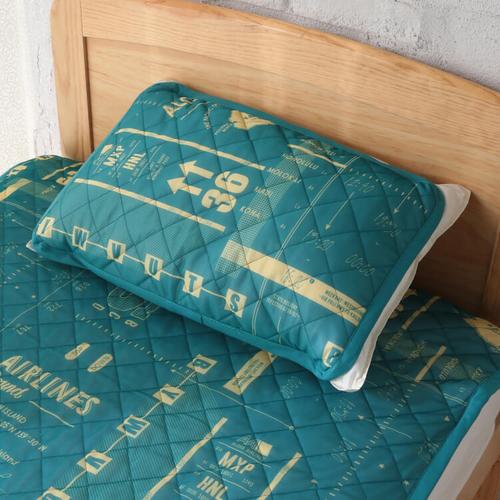 「クール 枕パッド Airport」価格:490円/サイズ:W60×H40cm/接触冷感生地を使用した、ゴムバンド付きの枕用パッドです。