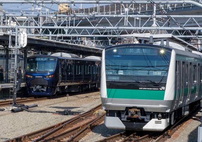 JR線から相鉄線内に乗り入れを行う「E233系」