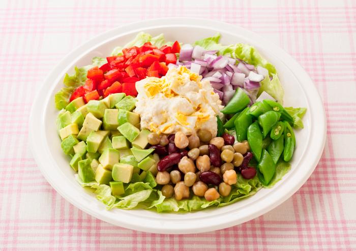 たまごとカラフル野菜のサラダ(「ミックスビーンズ」使用)