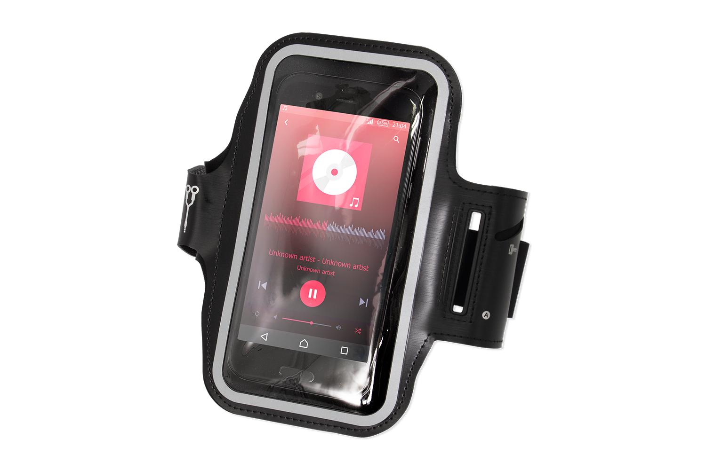 OWL-ARMBND01にスマートフォンを収納した様子
