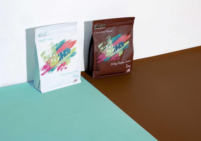 FIXIT DAILY BASIC + WPI 左:ヨーグルト、右:チョコレート