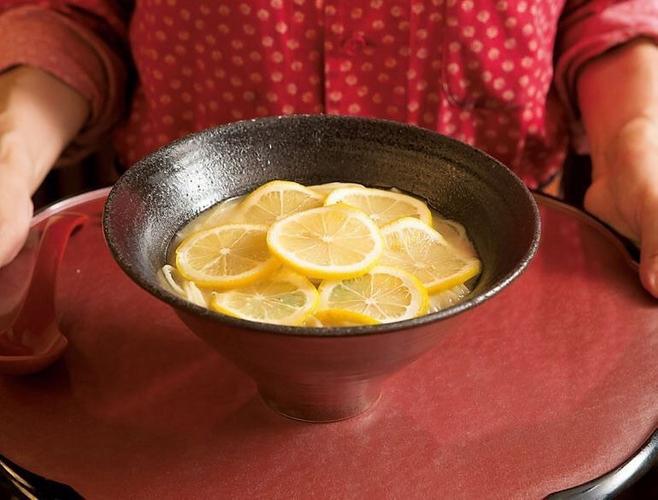 麵処むらじの檸檬ラーメン