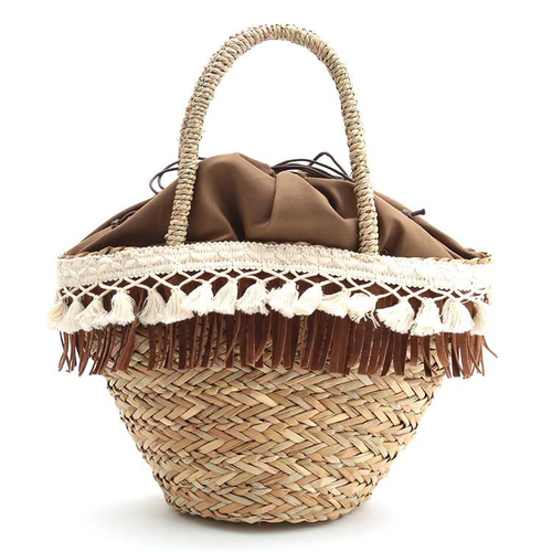 「バスケットバッグ Fringe」価格:1,980円/フェイクスエードのフリンジとコットンレース飾りが付いたカゴバッグ。