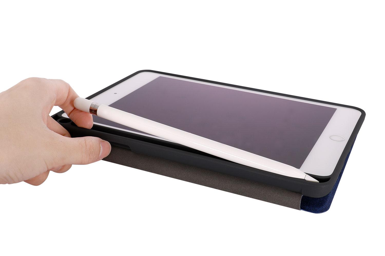 「OWL-CVIB7901」にiPad miniとApple Pencilを収納した様子