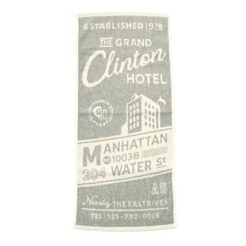 「フェイスタオル Hotel」価格:429円/サイズ:W34×H74cm/架空のホテルのポスターをイメージしたフェイスタオル。