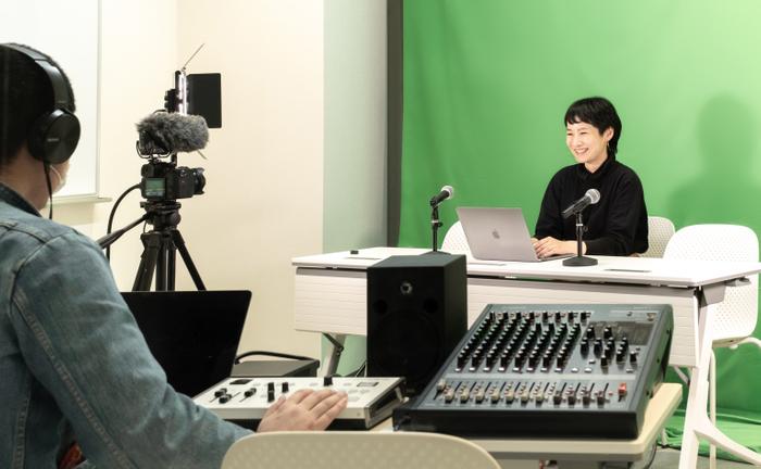 スタジオ:すぐに生配信できる設備