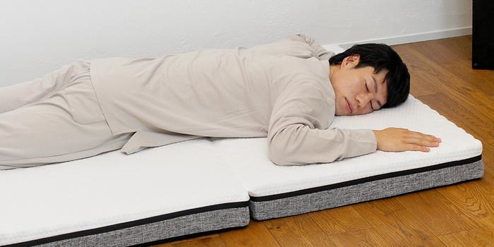 寝返りもスムーズに。朝起きた時の腰痛を防ぎ、寝ている間の姿勢も理想的な形にサポート。