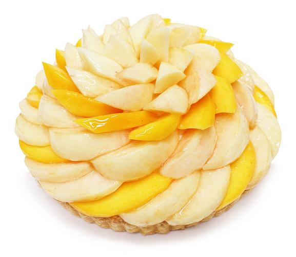 桃とマンゴーのケーキ