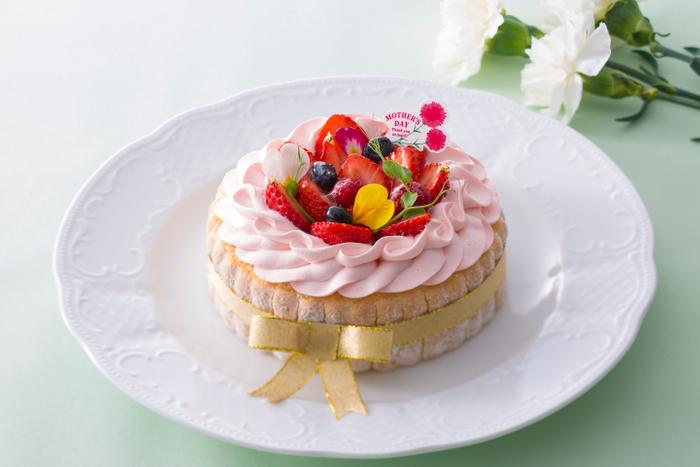 花束をイメージした「ストロベリーケーキ」