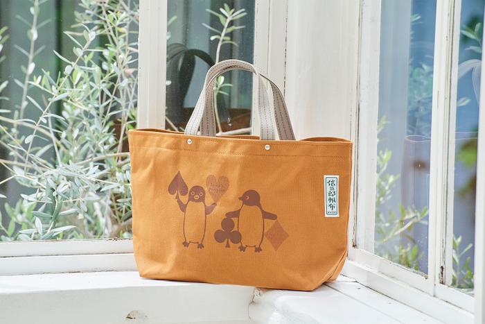 「一澤信三郎帆布×Suica's Penguinバッグ〈トランプ〉 」