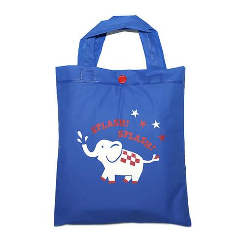 「キッズ レインポンチョ Elephant」収納袋付き。