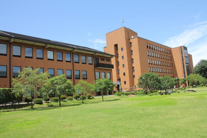 麗澤大学 校舎