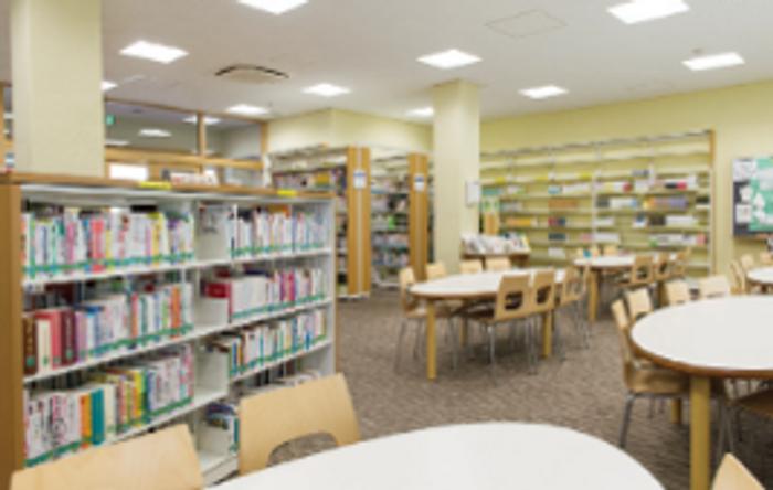 30,000冊以上の蔵書を誇る図書館