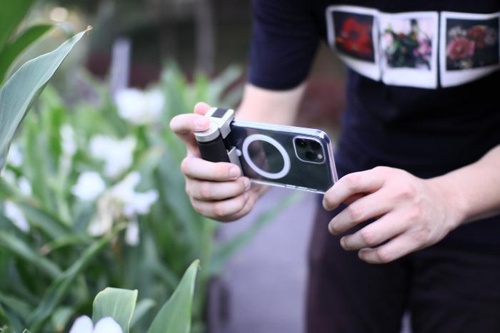 デジタル一眼レフカメラの操作性を再現