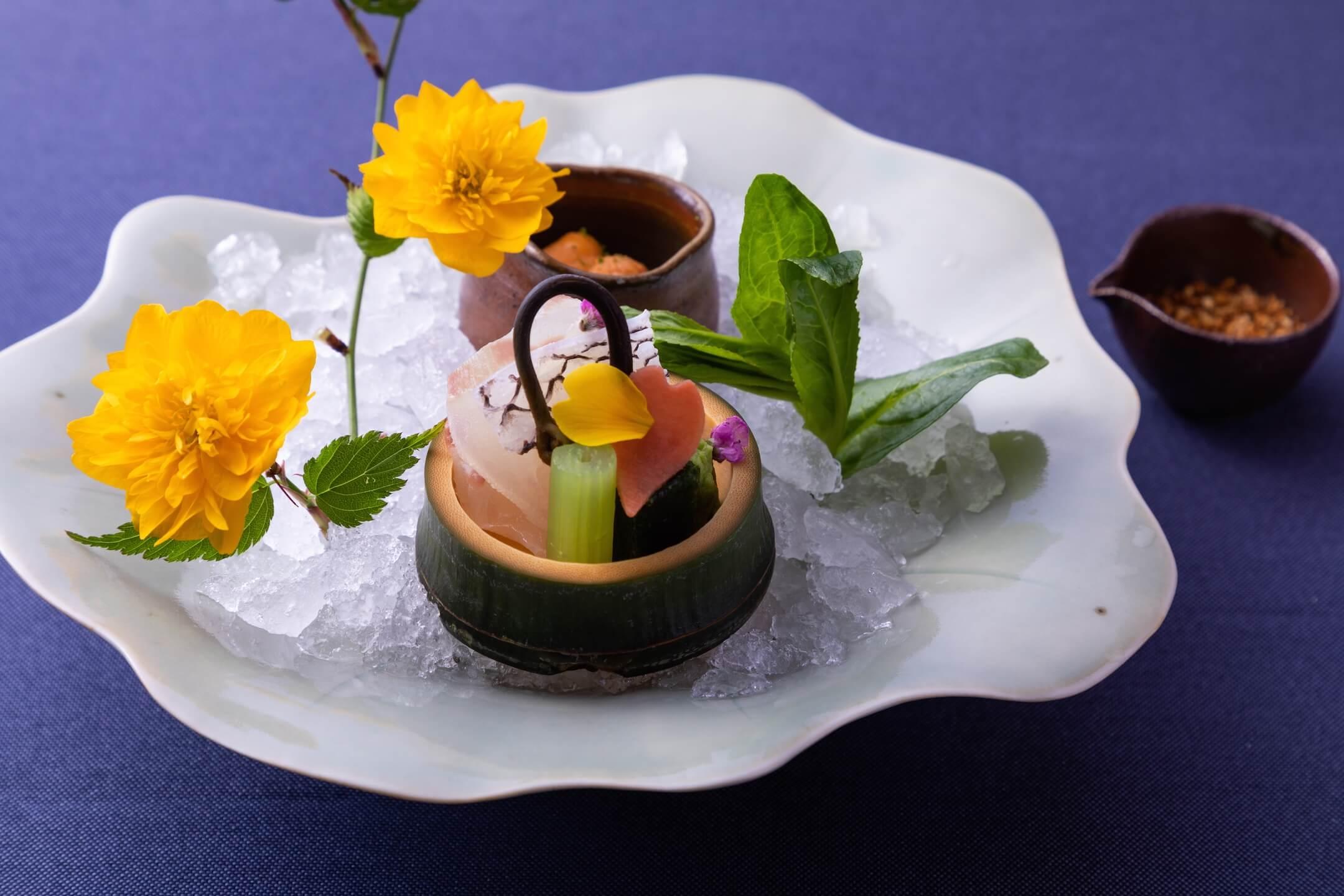 星のや京都 旬の食材を使い、芽吹きや色とりどりの花を表現した京会席を提供 期間:2020年3月1日~... 画像
